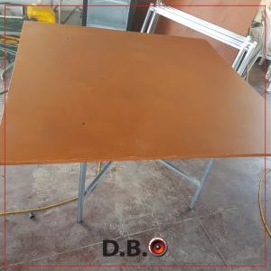 שולחן מרובע להשכרה לכל אירוע - DBO